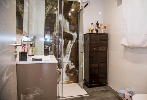 Reforma y decoración de baño en Melide